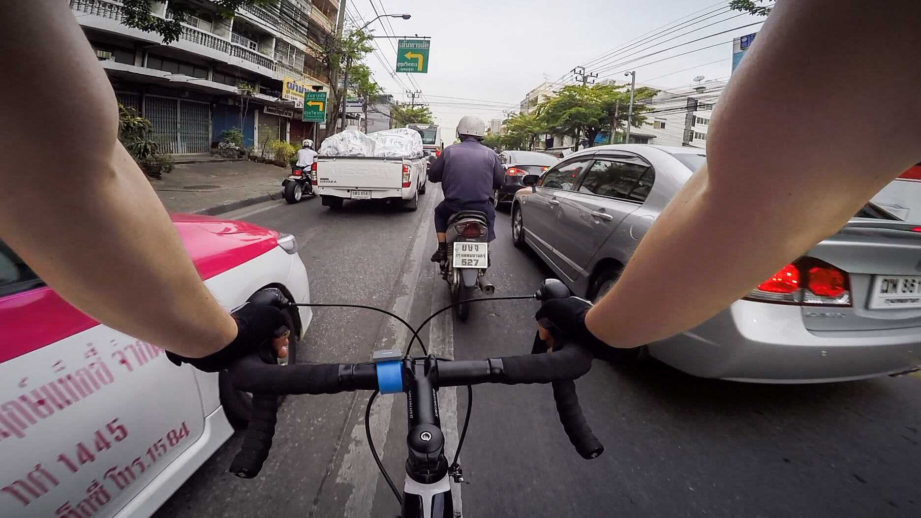 Road cycling in Bangkok